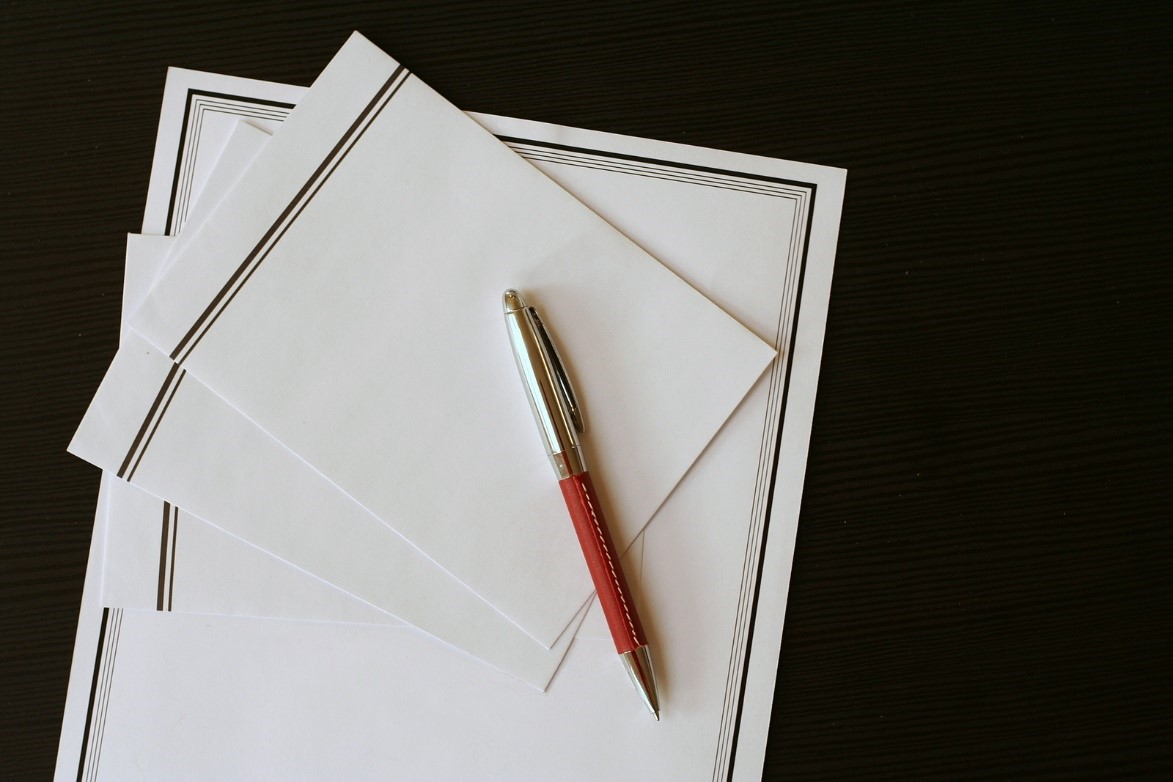 What to include in funeral invitations